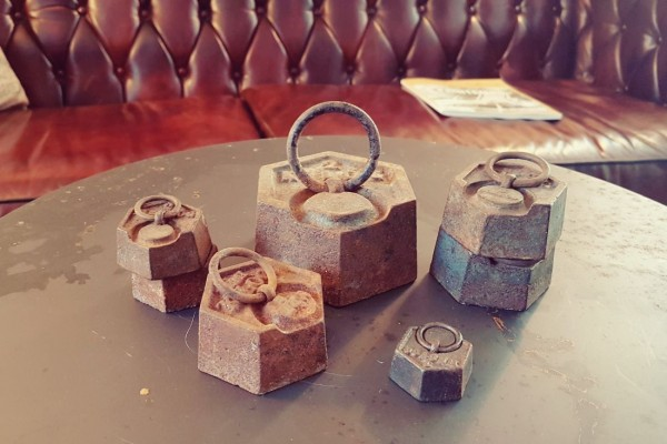 7 anciens poids de mesure en fonte, brocante, chineur, collection