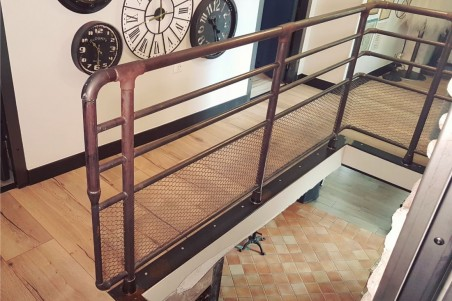 Garde corps en metal style indus barrière metal design loft