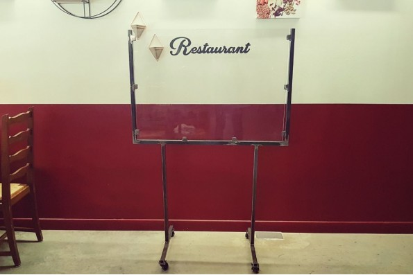 Cloison de separation plexi, protection COVID 19, restaurant, bar, caisse, professionnel