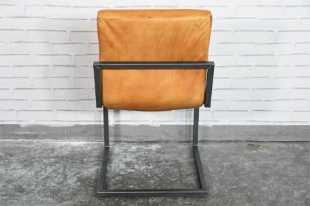 Chaise cuir marron camel vintage design volets  pieds métal piétement acier style industriel déco indus loft