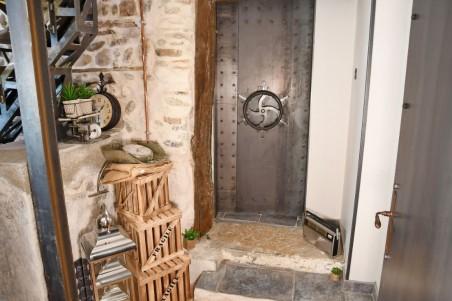 Porte métal engrenage style industriel steampunk effet sous-marin, coffre-fort, escape-game.