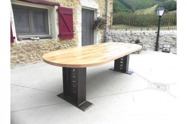 Table de jardin personnalisable en bois et acier rouillé style industriel déco vintage