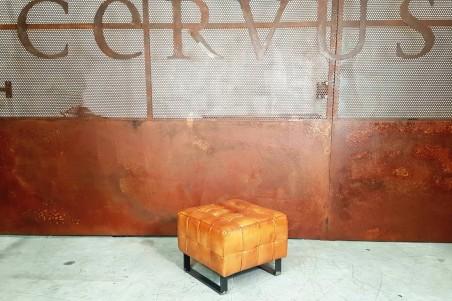 Repose-pieds en cuir capitonné, pouf en cuir, déco vintage style indus design contemporain