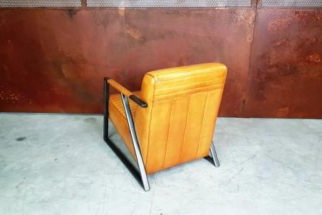 Fauteuil cuir camel et métal, déco vintage, style indus, design loft, art contemporain
