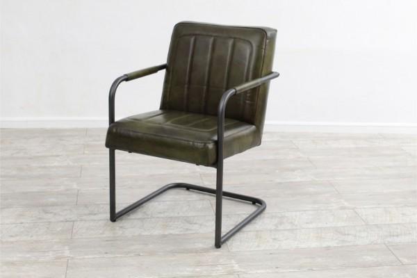 Chaise confort en cuir et métal, déco vintage, style indus, design loft, art contemporain