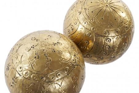 Boule de décoration en or antique